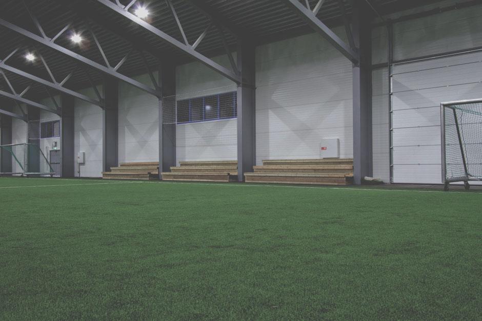Tribuner - Både i fotball- og flerbrukshall